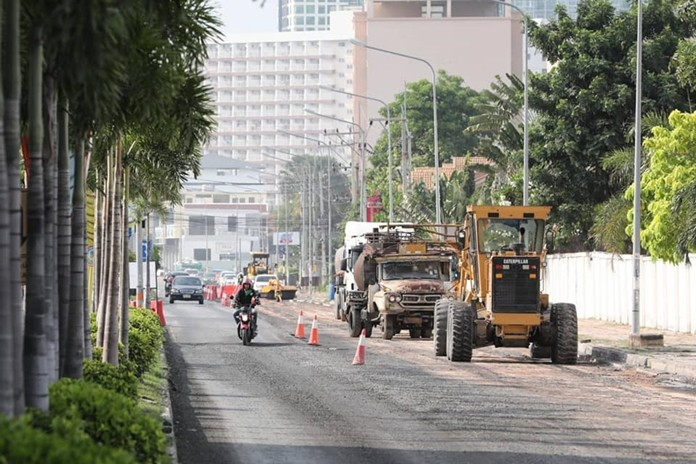 The construction currently being undertaken on Jomtien 2nd Road, which started in June, is scheduled to finish in April 2020.