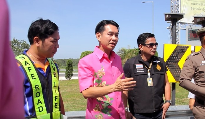 Banglamung District Chief Amnart Charoensri visited the area with his team and predicted the problems would be easy to solve.