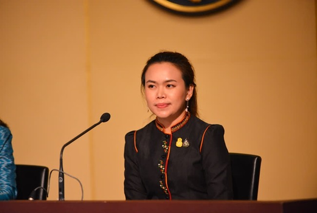 Deputy Government Spokeswoman Traisuree Taisaranakul said the cabinet meeting approved the national holiday declaration as proposed by the Ministry of Foreign Affairs, in an effort to reduce traffic congestion in Bangkok and Nonthaburi.