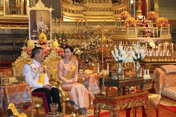 Their Majesties the King and Queen have conducted a royal merit-making ceremony for the birthday anniversary and renaming of the late Somdej Phra Chomklaochaoyuhua.