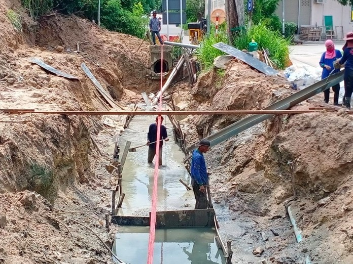 Construction of the flood mitigation system on Sukhumvit Soi 45 is due to end by the end of December.