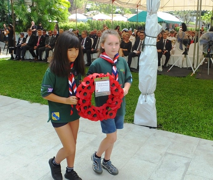 Many children from various schools joined the service to lay wreaths and pay their respects