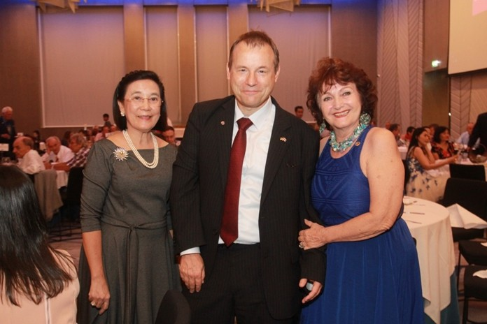 HE Georg Schmidt is flanked by Radchada Chomjinda, Director of HHNFT and Elfi Seitz, Executive Editor of Pattaya Blatt.
