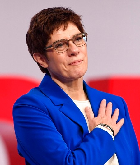 CDU leader offers to quit if party doesn't back her