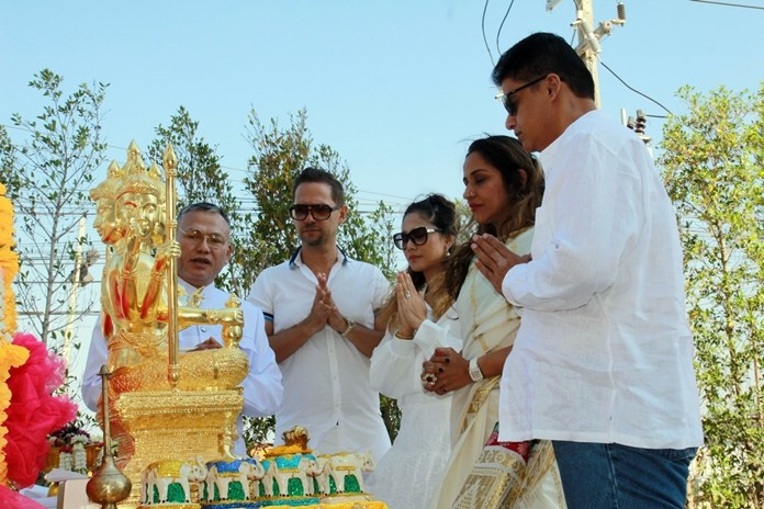 MD Rajesh Punjabi (right), CEO Sonia Punjabi (2nd right) together with Directors Michael Polak and Kamala Kumpu Na Ayuthaya perform a religious ceremony to sanctify and install the sacred statue of Lord Brahma, creator of the universe on the holy altar.