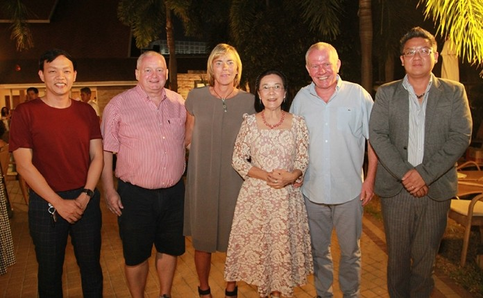 (From left) Pirun Noyimjai, Marc Pulles, Renee de Vaans, Radchada Chomjinda, Jan de Vaans and Siromet Akjrapongpanich.