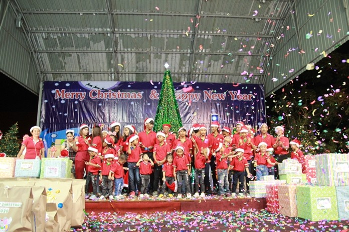 Pattaya Orphanage put on a fabulous Christmas and New Year party hosted by Director Fr. Veera Phangrak.