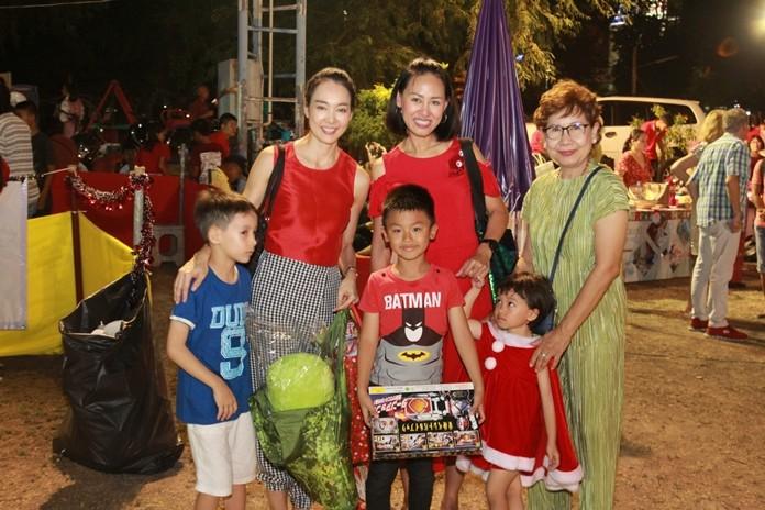 Prangpetch Akjrapongpanich enjoys the festive night with family and friends.