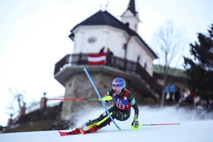 United States' Mikaela Shiffrin speeds down the course during an alpine ski, women's World Cup slalom in Lienz, Austria, Sunday Dec. 29, 2019. (AP Photo/Marco Trovati)