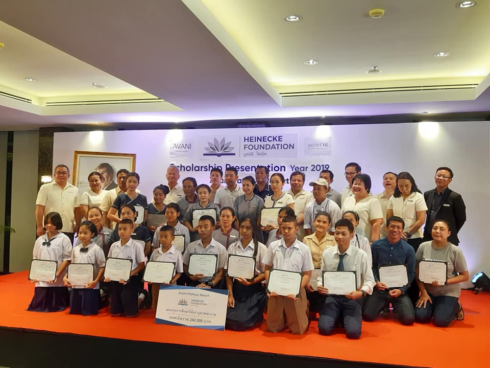 The Avani Pattaya Resort & Spa and Heinecke Foundation awarded scholarships to 63 Pattaya students and children of hotel employees.