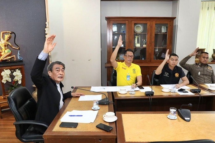 Deputy Mayor Ronakit Ekasingh (left) chairs still another meeting about the ongoing traffic and parking problems at Bali Hai.