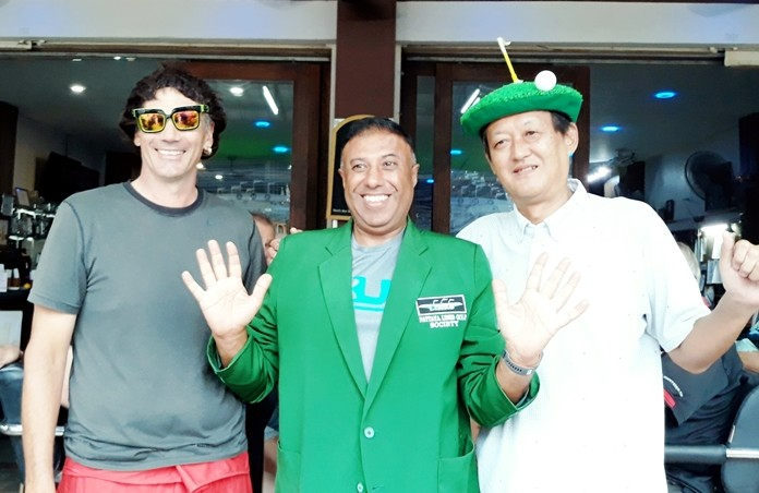 A flight winner Rana Gurnam, with Michael Olah (L) and Masa Sugaya (R).