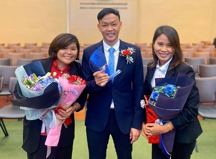 Drop-In Center/ASEAN Education Center staff and colleagues congratulate to Pirun.