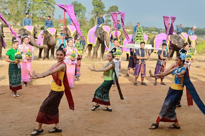 Traditional Thai dancers take part in the celebrations.