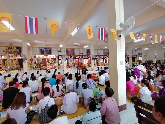 Worshippers listen to sermons and meditate at Wat Nong Aor in Central Pattaya.