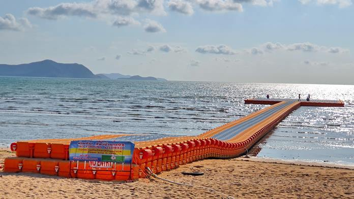 Najomtien approved 37 million baht to install buoys that have been rafted together to create a kind of pier that can be safely walked on.