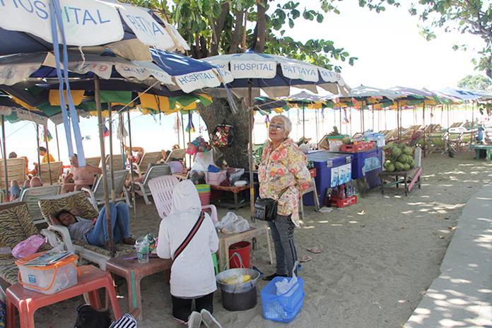 Pha Aree says older foreigners and Thais are keeping beach vendors in business through the coronavirus tourism downturn.