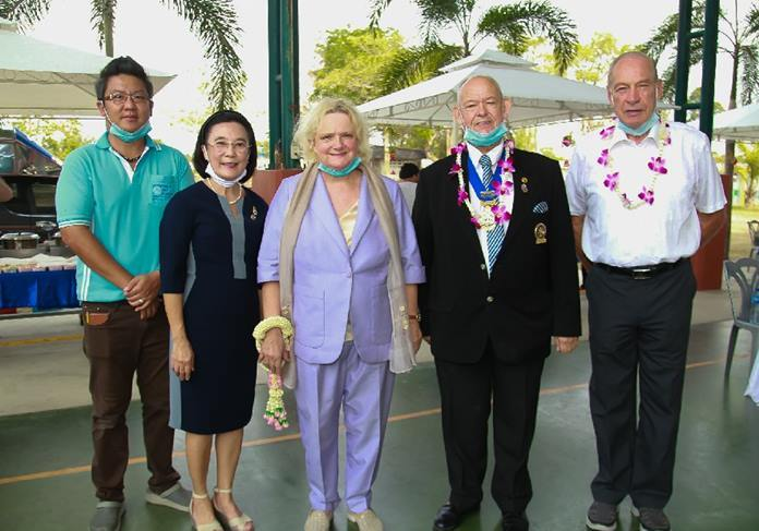 HHNFT Director Radchada Chomjinda and Asst. Director Siromet Akarapongpanitch, with Rodney Charman and honorable German guests welcome the Austrian Ambassador to Thailand, Dr. Eva Hager.
