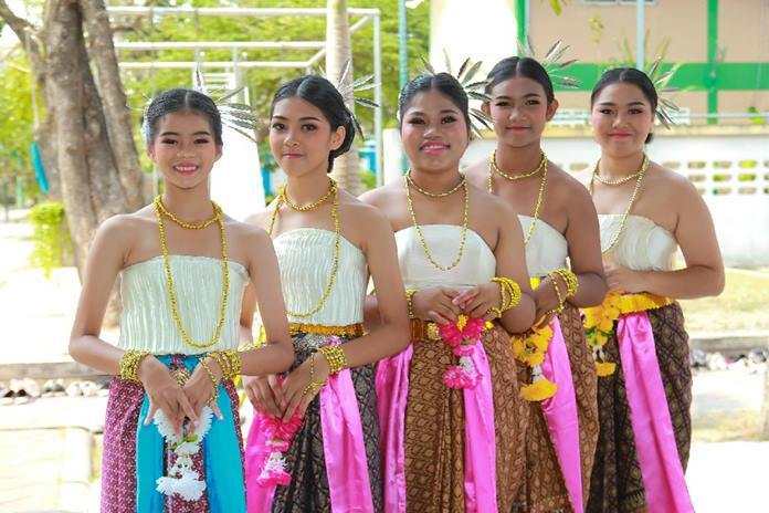 Ban Euaree's young dancers are set to perform in their Thai dresses.