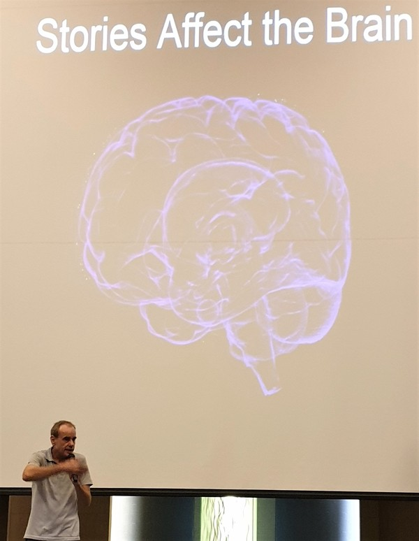 The second principle of public speaking involves communicating your message with feeling so your message will be remembered. Here, Claudio Sennhauser points out that short stories help to do this as get your message into the listener's brain.