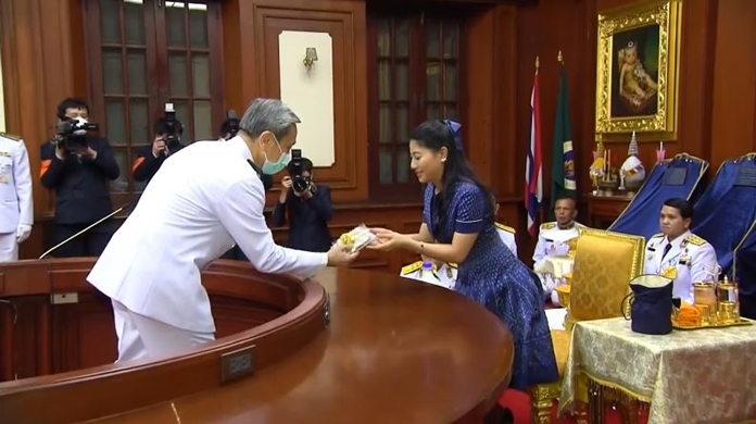 HRH Princess Sirivannavari Nariratana Rajakanya offers cloth face masks, hand sanitizer and disinfectant for distribution to hospitals nationwide.