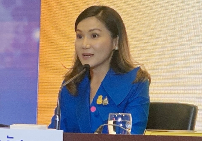 The Government spokesperson, Narumon Pinyosinwat.