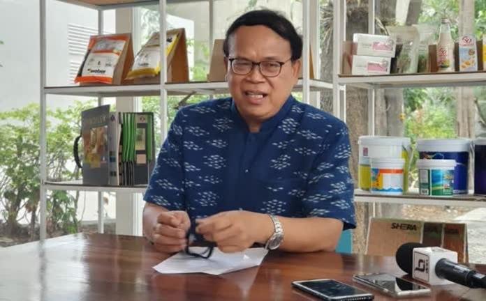 The Thailand Environment Institute (TEI)President, Dr. Wijarn Simachaya.