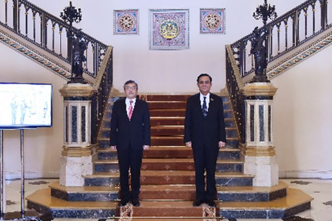 On April 17, H.E. Mr. Tugsbilguun Tumurkhuleg, Ambassador of Mongolia to Thailand, paid a courtesy call on Prime Minister and Defense Minister Gen. Prayut Chan-o-cha on occasion of his completion of tenure and Thailand-Mongolia comprehensive and tangible cooperation.