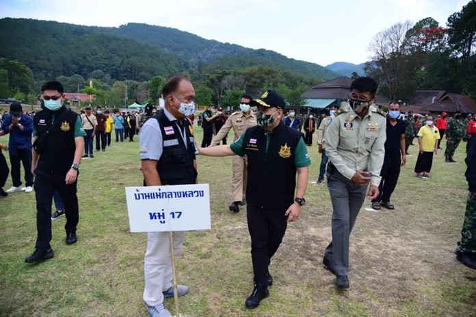 The Minister of Natural Resources and Environment, Warawut Silpa-archa, meets with volunteers and forest firefighters at Doi Inthanon National Park, Chiang Mai.