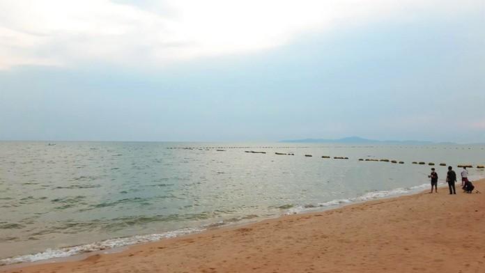 Jomtien Beach, Pattaya City, Chonburi Province, Sunday April 26 at 6 p.m.