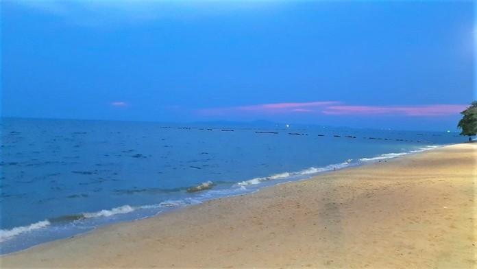 Jomtien Beach, Pattaya City, Chonburi Province, Sunday April 26 at 7 p.m.