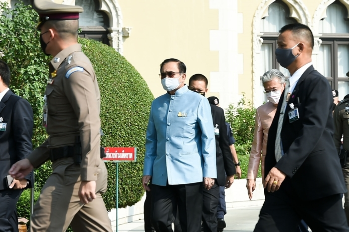 Prime Minister General Prayut Chan-o-cha prior to the cabinet meeting (Tuesday April 28).