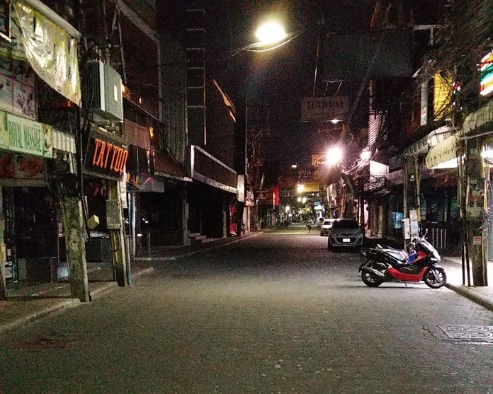 It is heartbreaking to see Walking Street so empty. Except for a few residents, everyone rushed home before the clock struck 10.