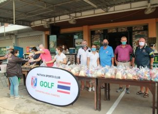 The owners of the Kull Bar on Siam Country Club Road, in cooperation with the Pattaya Sports Club, distributed survival bags containing rice, dried food and daily amenities.