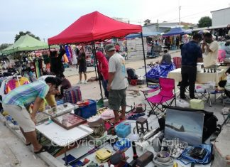 People who used to have well-paying jobs are now selling personal goods and second-hand items at Pattaya markets to survive.