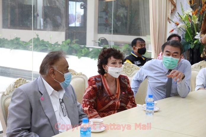 Ronakit Ekasingh updates Peter Malhotra and Elfi Seitz, Executive Editor of Pattaya Blatt on the prevention measures of the coronavirus in Pattaya and the neighboring region.