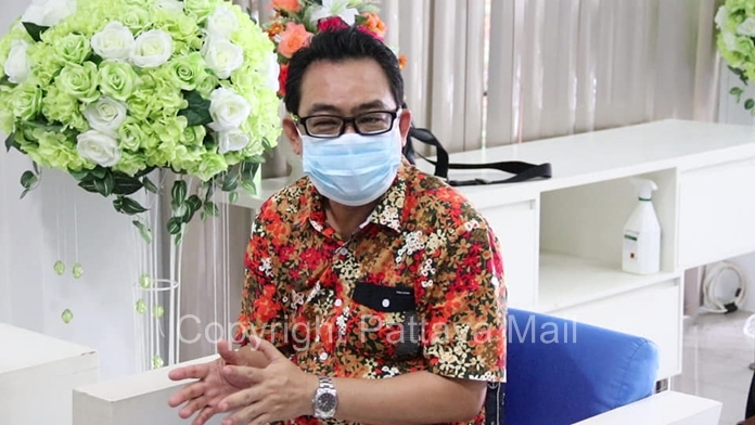 Pattaya City Councilman Thanet Supornsahatrangsi said a number of large hotels were approached by a mysterious group of supposed government officials trying to extort huge kickbacks, suspecting a scam, declined the offer.