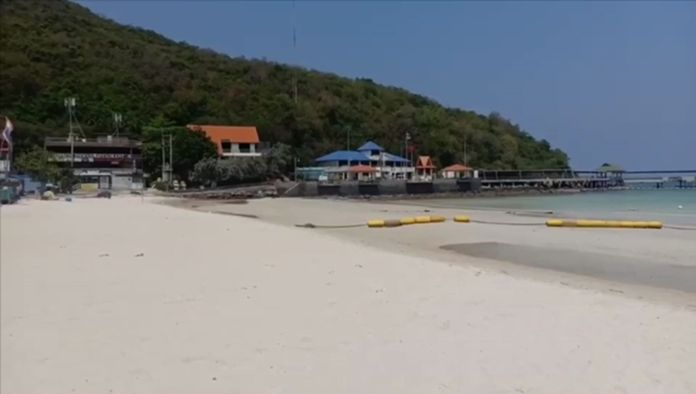 Koh Larn, one of the most popular islands just 30 minutes off Pattaya City on speedboats is now in its absolute serene state when all the incoming flights were banned, all tourist boats were docked. The villagers who used to be working in travel businesses and boat services are now living a much simpler and quieter life on the island.