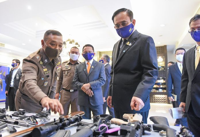 Prime Minister and Defense Minister, Gen. Prayut Chan-o-cha insists that authorities found to be involved in the drug trade will be prosecuted to the fullest extent of the law.