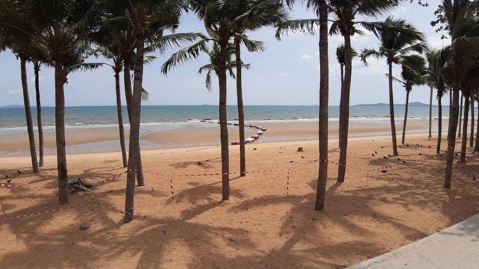 Jomtien beach, Pattaya City on a hot day.