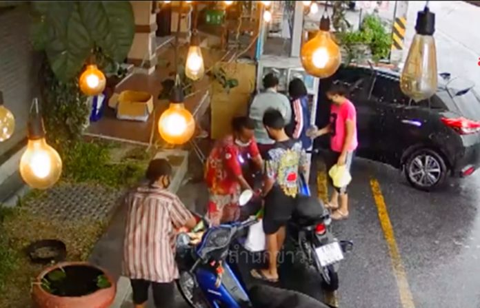 Thai people had become lenient in protecting themselves from the coronavirus disease 2019 (COVID-19) after eased lockdowns in all kinds of activities.