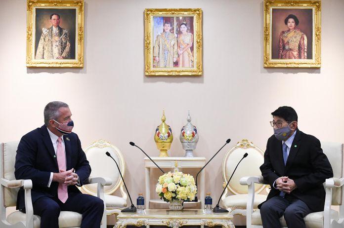 US Ambassador, H.E. Mr. Michael George DeSombreand Thai Deputy Prime Minister Wissanu Krea-ngam.