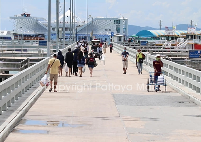 Bali Hai Pier was equally quiet, with few passengers boarding ferries for Koh Larn.