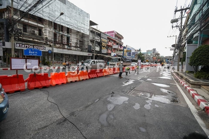 Roadwork has begun on Pattaya's South Road, closing half to traffic until the end of the year.