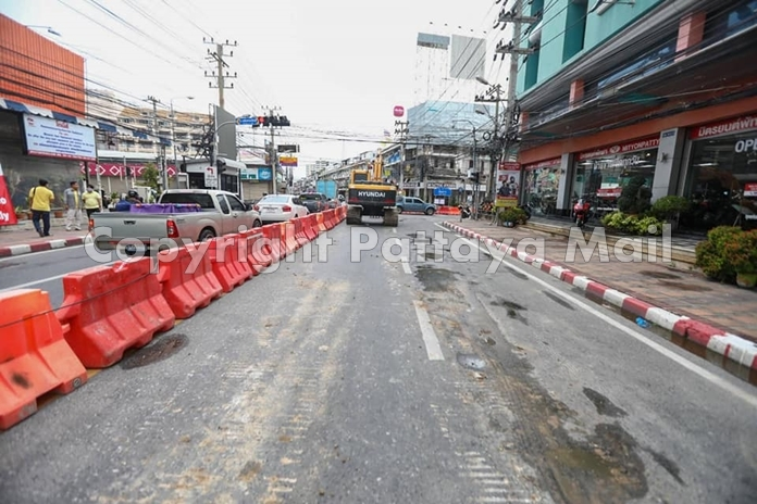 Motorists are encouraged to use other routes as eastbound traffic will be impassable after Third Road.