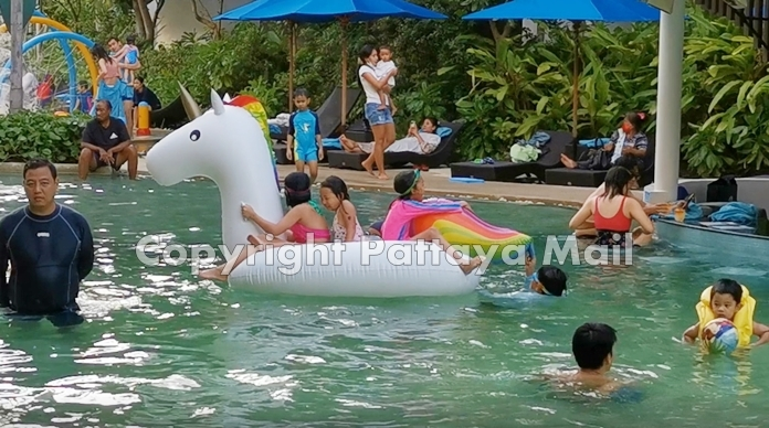 Domestic tourists are beginning to visit Pattaya City and Jomtien again.
