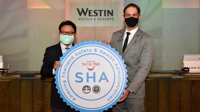 Mr. Tanes Petsuwan, TAT Deputy Governor for Marketing Communications, presented the Amazing Thailand SHA certification to the management of The Westin Grande Sukhumvit Bangkok.