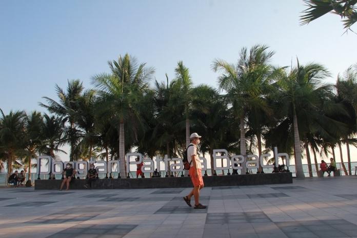 Thailand plans more economic stimulus measures, boosts domestic tourism