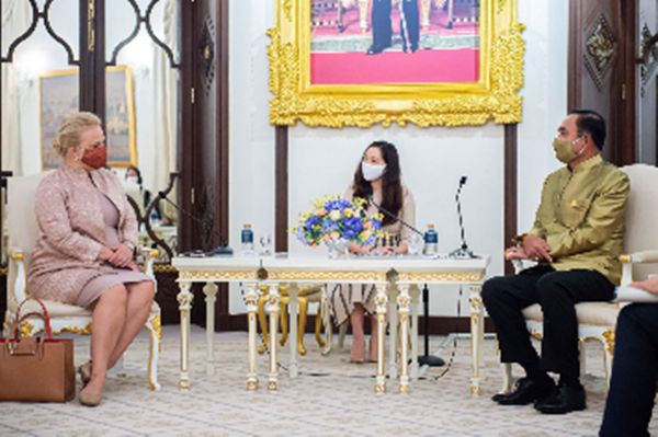 Ms. Satu Suikkari-Kleven (left), Ambassador of the Republic of Finland to Thailand, and Prime Minister Gen. Prayut Chan-o-cha (right).