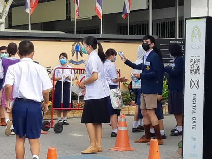 Many public schools held the admission exams for Mattayom 1 level students amid improvement of the COVID-19 situation in Thailand.